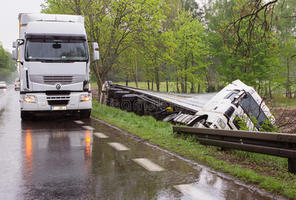 Settlement vs. Litigation in a Truck Accident in California